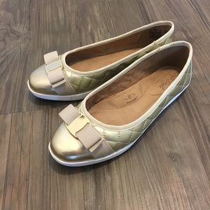 🥿 👑 Soft Style Gold Flats in Wide